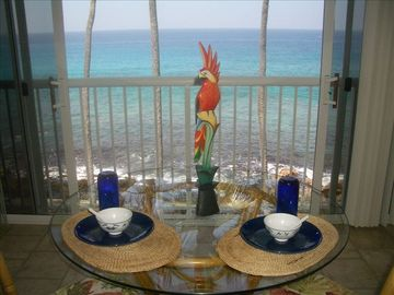 Imagine a relaxing supper while you watch this beautiful ocean.