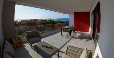 SUPERB T3-70m2- ON THE BEACH -CLIMATE- 30m2 TERRACE- WIFI-