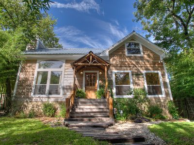 Charming Log Cabin in the heart of Austin (right by Zilker Park)