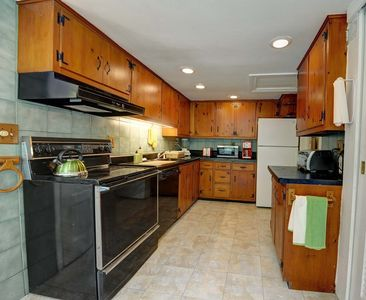 Woodstock estate rental - Kitchen
