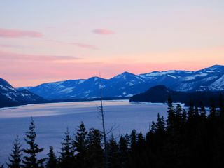 Snoqualmie Pass lodge photo - Lake Kachess Sunset