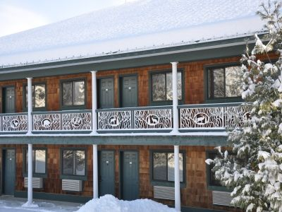Bellaire / Shanty Creek hotel rental - A beautiful wintery day at The Legend Cottage Inn.