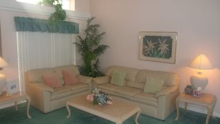 Lindfields house photo - Formal Living with Leather Sofas
