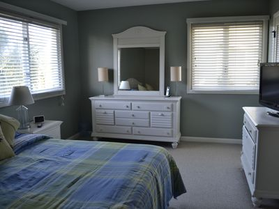 Isle of Palms villa rental - King Sized Bedroom on 2nd Floor w/ flat panel TV