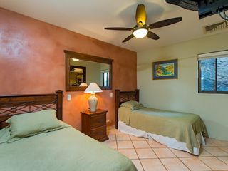 Tamarindo condo photo - Guest bedroom with twin beds