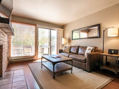 Cozy 1Bd Condo, Large Viewing Deck with Breathtaking Mountain/Ski Slope Views