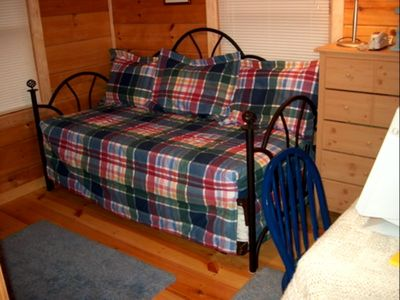 Day bed in third bedroom--has twin trundle that pops up.