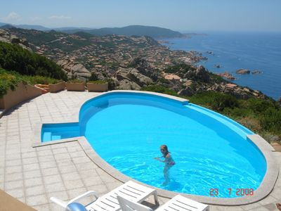 Detached 3 bed villa, private pool with stunning sea views