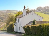 JASMINE COTTAGE, family friendly in Tedburn St Mary, Ref 13413