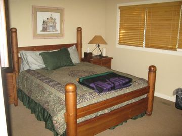 Bed Room w/Queen Bed