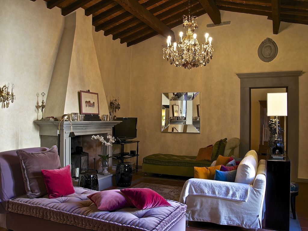 Ginori apartment luxury property in the vrbo for Interior design jobs in florence italy