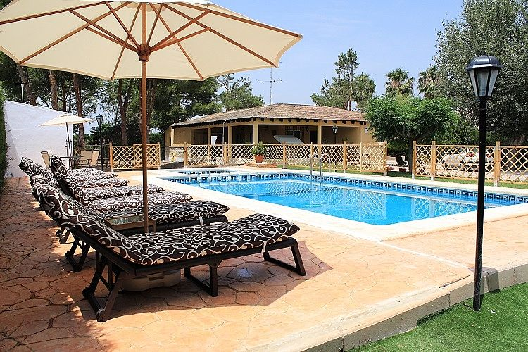 Villa With Private Pool, Garden, And Children's Play Area.