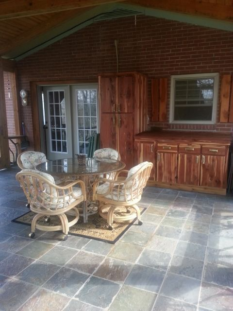 Hendersonville cottage rental - updated fireplace porch