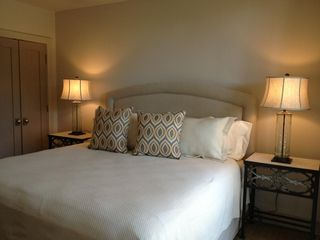 Kiawah Island villa photo - King seally posterpedic bed with new linens and all new furniture in bedroom