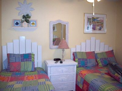 Second Bed Room - double and twin beds