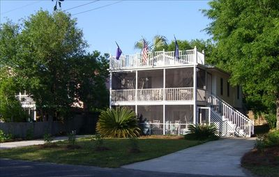 Your home away from home: 'Out of Pocket' is only 250 yards from the beach!!