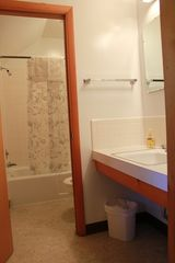 Lake Wallenpaupack lodge photo - Bathroom 2
