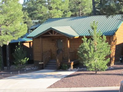 Bear Haven, Family Friendly, Free WIFI, DirecTV, Fenced Yard for Kids.