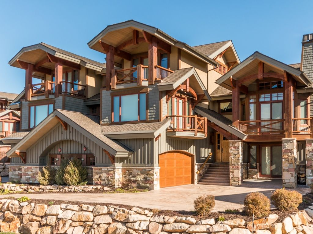 Beautiful 4000 sqft retreat with breathtaking vrbo for 4000 square feet house