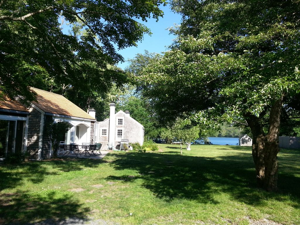 Antique Cape Cod House With Its Own Beach On Scargo Lake Near Bay