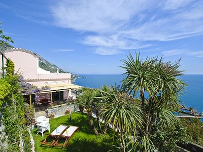 3-bedroom apartment with two private terraces in the centre of Praiano