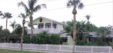 Clearwater Beach house rental - Estate-like tropical grounds with parking for cars and boat