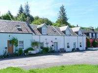 ROSE COTTAGE, family friendly, with a garden in Strachur, Ref 24071