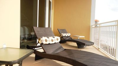 Stylish Chaise-lounges