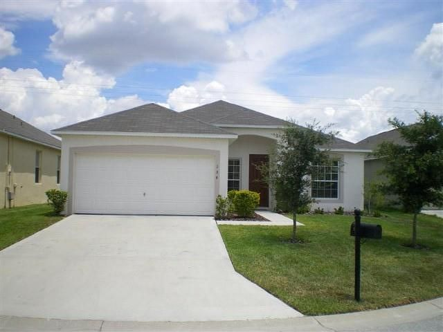 Beautiful  5/3 Vacation Home with Games Room Wi-Fi - Close to Champion Gate Are