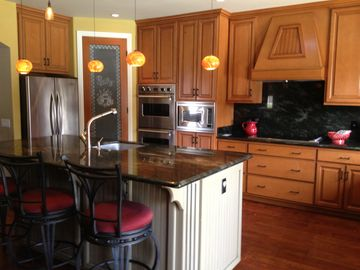 Anaheim house rental - Beautiful gourmet kitchen with island and bar Viking stainless steel appliances