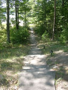 Honor cabin rental - Path to Lake