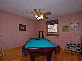 Pigeon Forge cabin photo - Loft With Pool Table