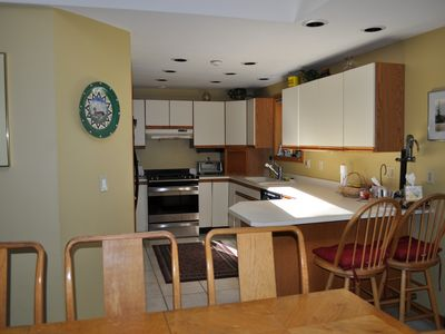 Moultonborough house rental - kitchen new appliances (2011) 5 burner gas stove, Refridge and dishwasher