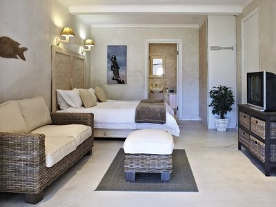 Noordhoek apartment rental - Design Studio