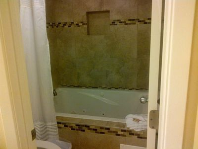 Master Bathroom Jetted Tub/Shower