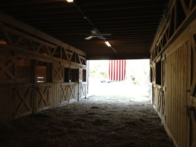 Fully equipped 2-story, 7-stall horse stable w running water, electric & hayloft