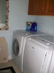 Laundry room (in unit)