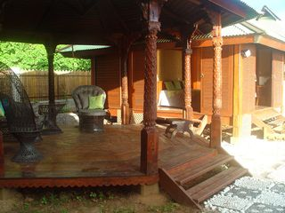 Waterfront lounge under a semi-detached gazebo - Moorea bungalow vacation rental photo