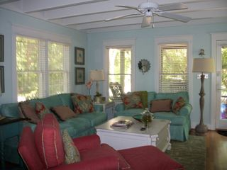 Bald Head Island cottage photo - Plush Living Room
