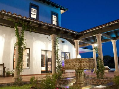Lake Austin Estate Rental: Luxury Hacienda-style Home, Infinity ...