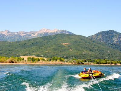 BOATING AT NEARBY LAKE (PINEVIEW RESERVOIR)