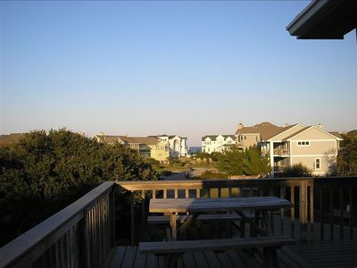 Corolla house rental - Picnic on the deck, enjoy the partial Ocean views and the sound of the waves