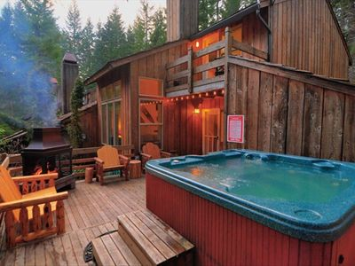 Zig Zag cottage rental - Back Deck with Hot Tub and Fireplace