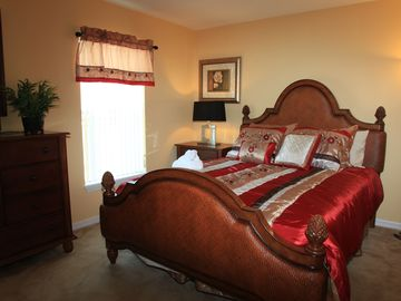 Downstairs Master Bed Room with Queen Bed