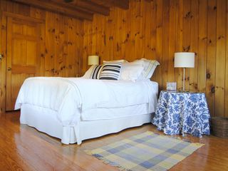 Rhinebeck cabin photo - Downstairs Guest Bedroom with Queen Bed