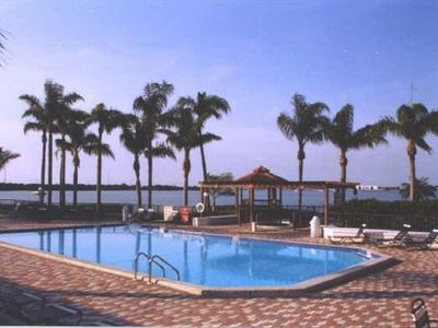 Your pool is at the shores of Boca Ciega Bay.