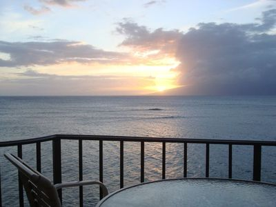 Sunset behind Moloka'i - the lounge chair awaits you on the lanai