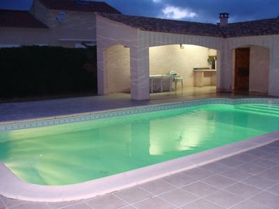 Very nice single storey villa with private pool and pool house