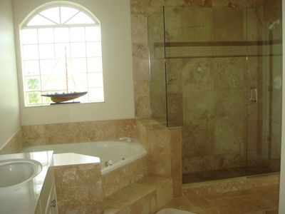 Cape Coral villa rental - Villa White Ibis - master bathroom