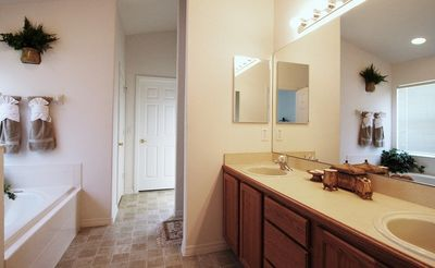 Indian Creek villa rental - Master bath room with garden tub and separate shower